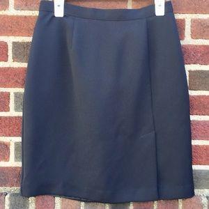 black dressy skirt splinter in the left front